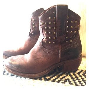 Shoes - **Distressed leather ankle books with studs**